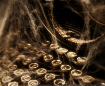 tYPEWRITER WITH COBWEBS